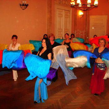 Zdjęcia z zajęć z tańca brzucha